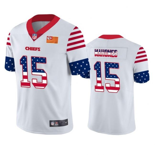 Kansas City Chiefs #15 Patrick Mahomes White Men's Nike Team Logo USA Flag Vapor Untouchable Limited NFL Jersey